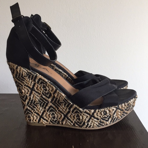 MIA Tribal Wedges